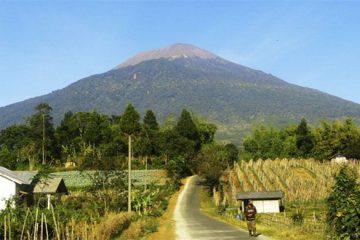 Gunung Slamet Dengan Segala Misteri Yang Menyelimutinya