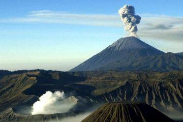 Cerita Mistis Dibalik Kemegahan Gunung Semeru
