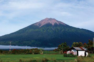 Fakta Seputar Gunung Kerinci Yang Wajib Diketahui