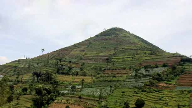 Gunung Padang, Gunung Dengan Sejuta Misteri Yang Belum Terpecahkan