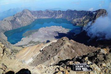 Gunung Rinjani - Gunung Indah Yang Mulai Terlupakan Akibat Gempa