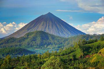 Fakta Tentang Gunung Lawu - Gunung Paling Mistis Di Jawa